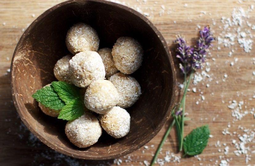 @foodforarixx collagen lavender coconut protein balls(1)